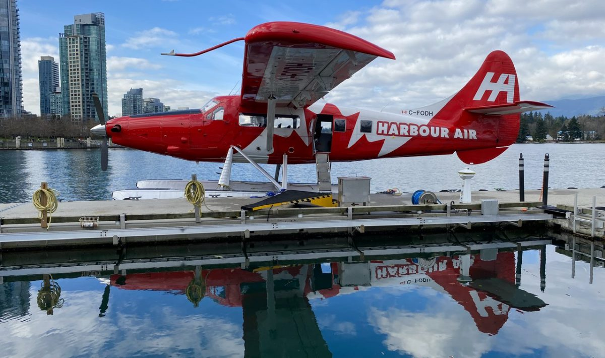 Harbour Air Seaplane in Vancouver Harbour