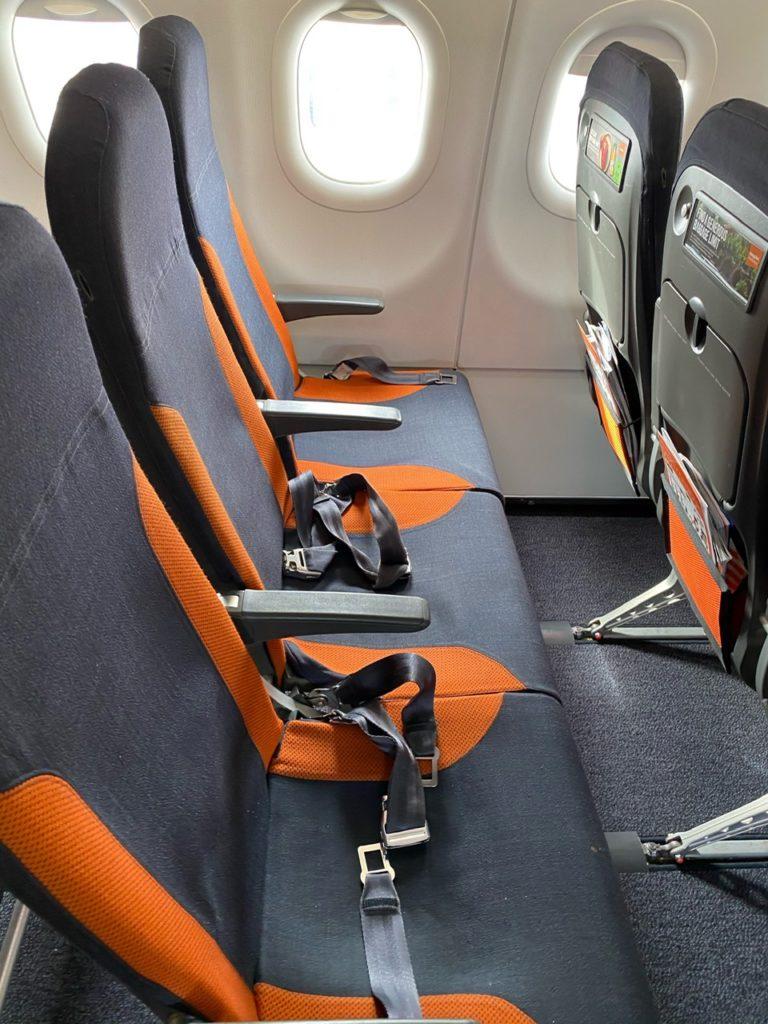A seat row Easyjet A320