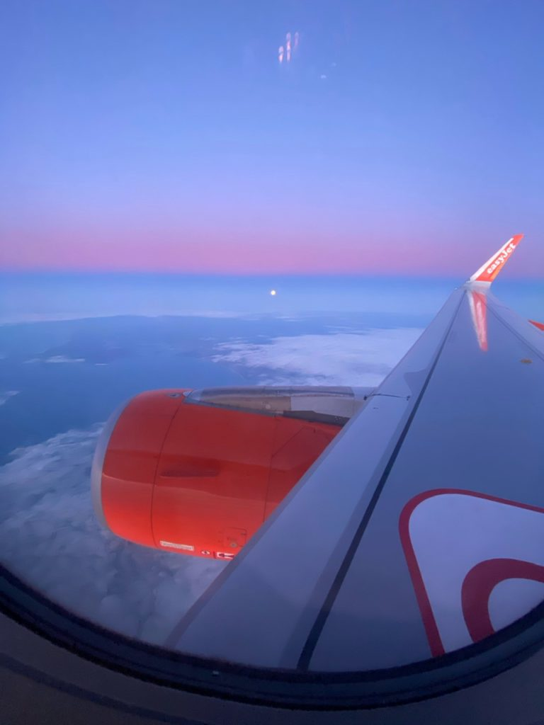 Sunrise on the wing of an Easyjet A320