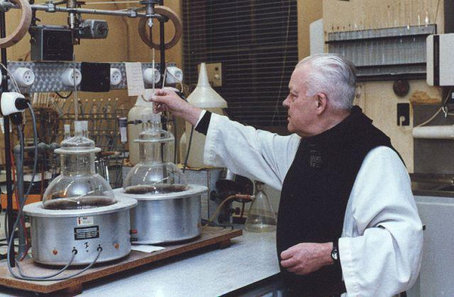 Father Théodore in the lab at Chimay