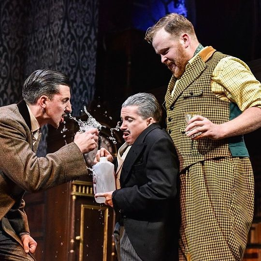 THE PLAY THAT GOES WRONG - West End