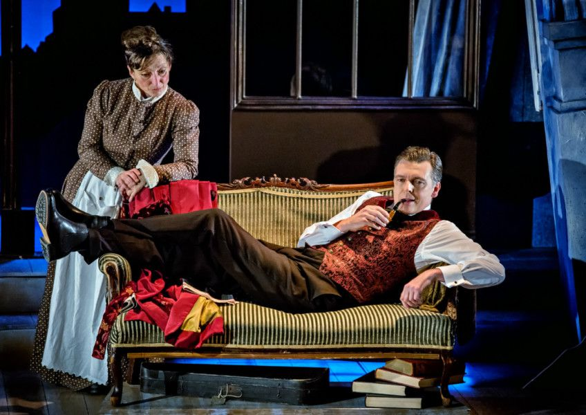 HOUND OF THE BASKERVILLES (York Theatre Royal)