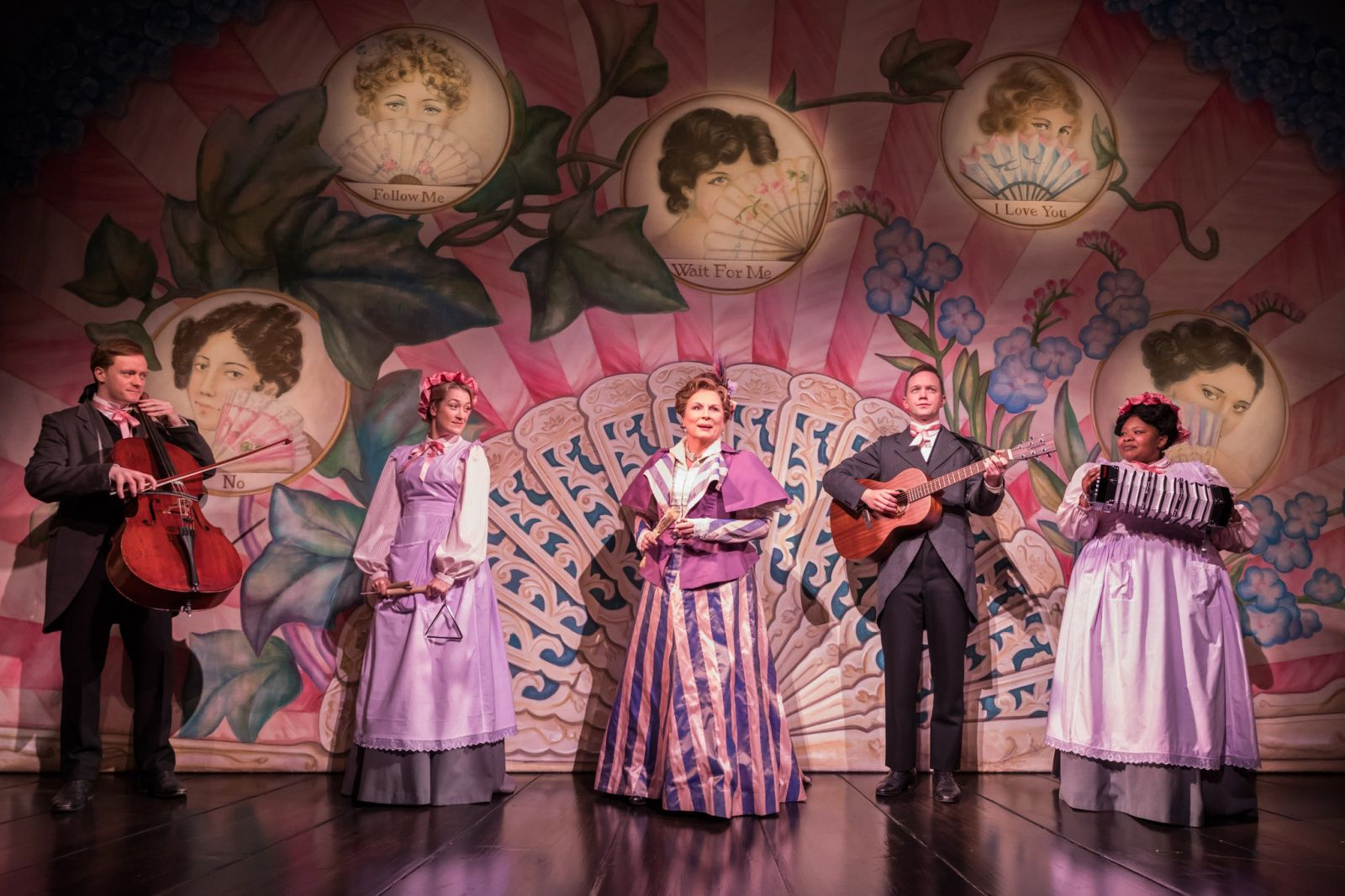 LADY WINDERMERE'S FAN (Vaudeville Theatre, West End)