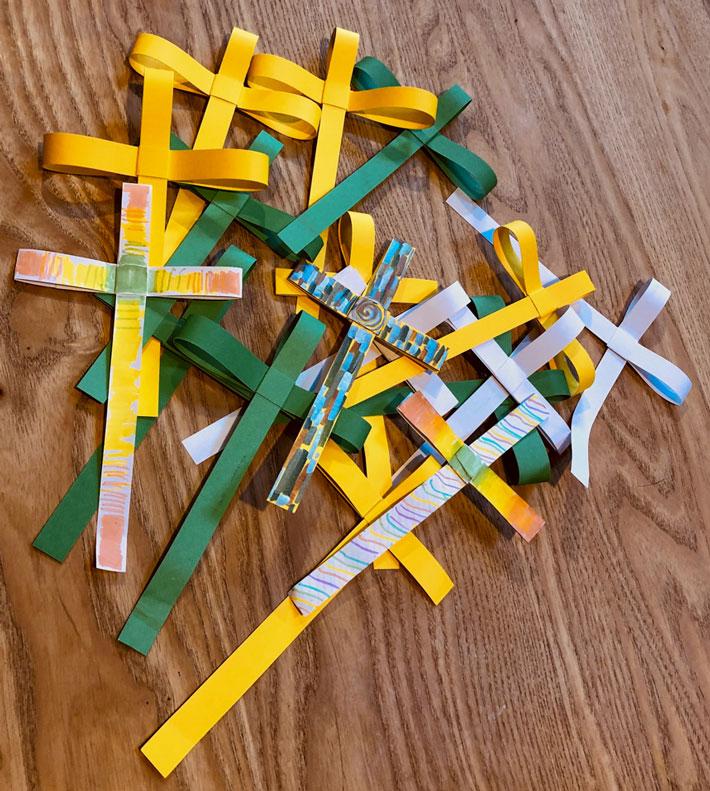 Paper palm crosses