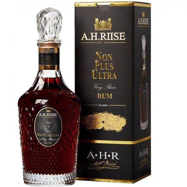 A.H. RIISE NON PLUS ULTRA RUM VERY RARE RUM 0,70 L. + ESTUCHE
