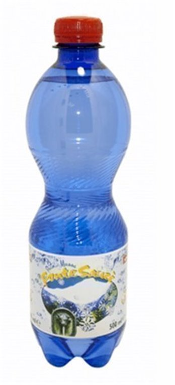 Agua natural con gas