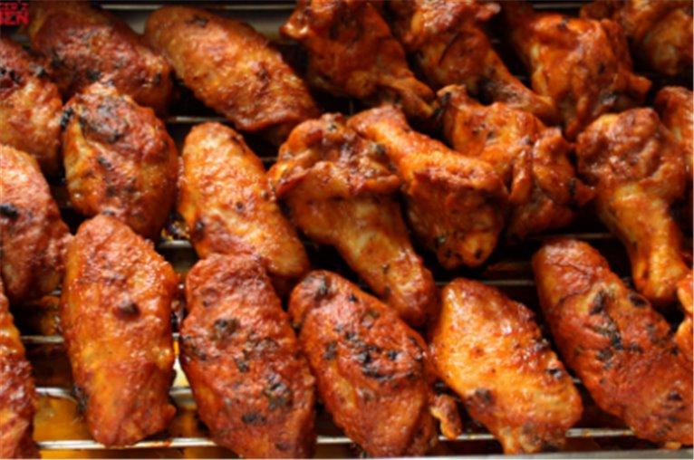 Alitas de pollo con salsa barbacoa (350 - 400gr)