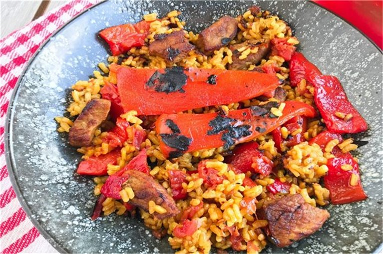 Rice with roasted peppers and lean beef