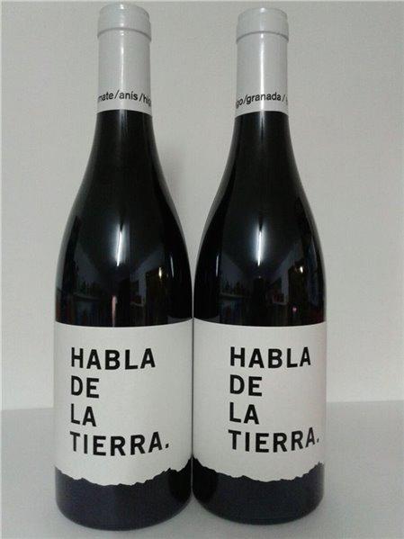 Botella de vino tinto tempranillo Habla de la Tierra