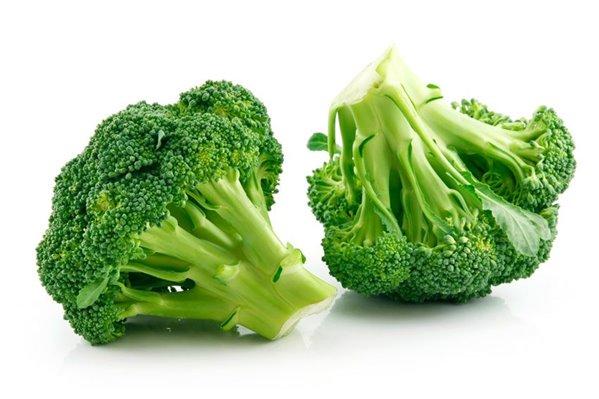 alimentos que contienen vitamina a. brocoli