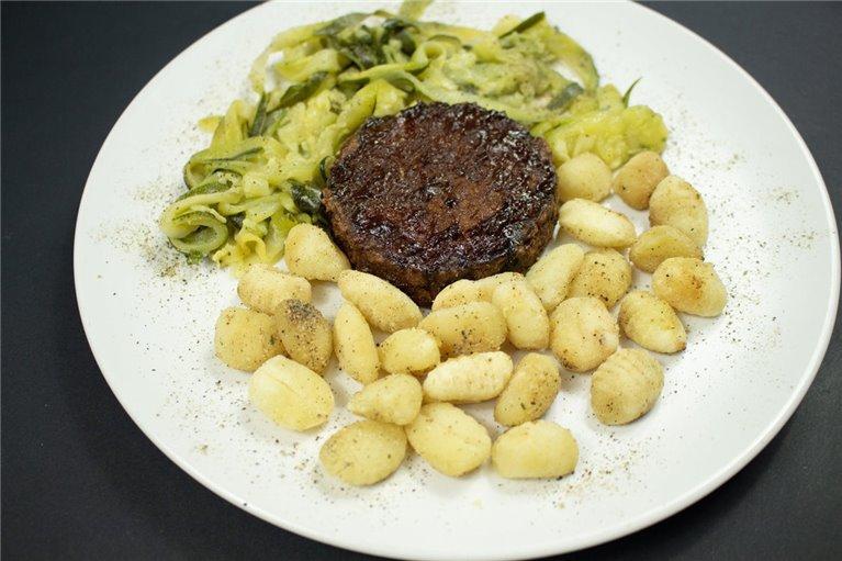 Burger HEURA 100% vegetal con Gnocchis de patata y zucchinis de calabacín (VG3)