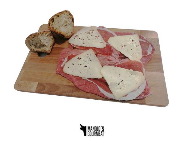 Cachopo Manolo's jamón y queso de Arzúa