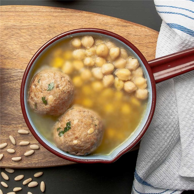 Beef broth with/without chickpeas and balls
