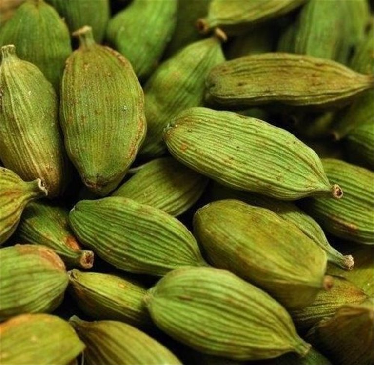"""Cardamomo Verde en grano, bote 50 gramos """"envasado al vacío"""", 1 ud"""