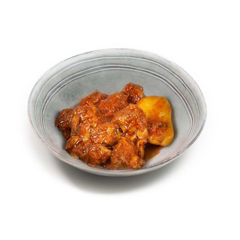Carne con Tomate y Patatas Horneadas