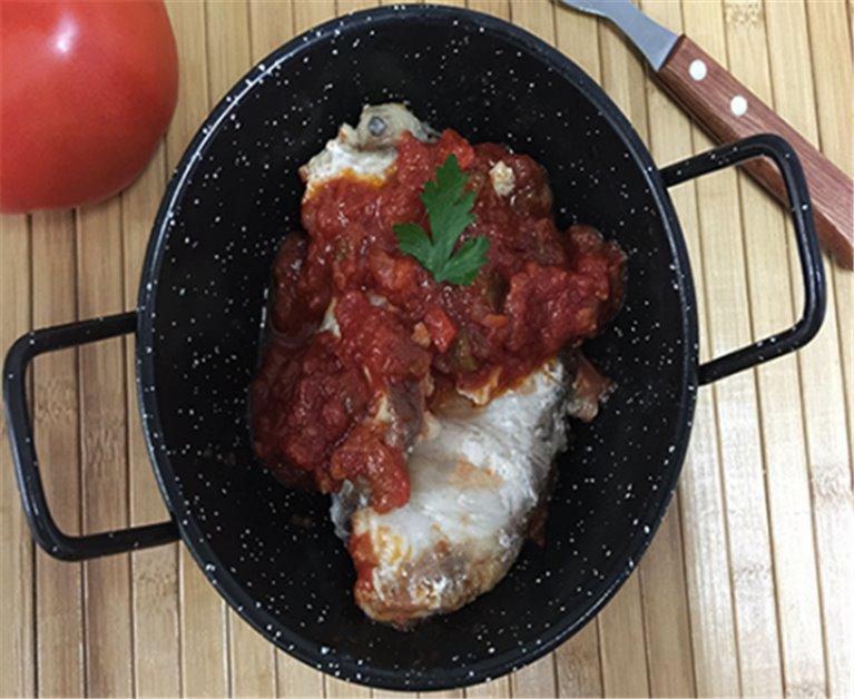 Cazón con Tomate