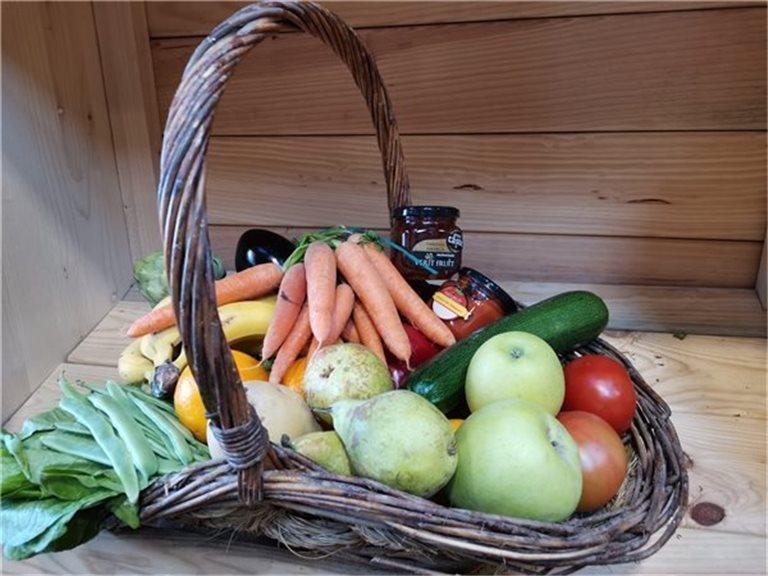 """Cesta familiar de fruta y verdura """"Quédate en casa"""" (12 kg) - Envío gratis"""