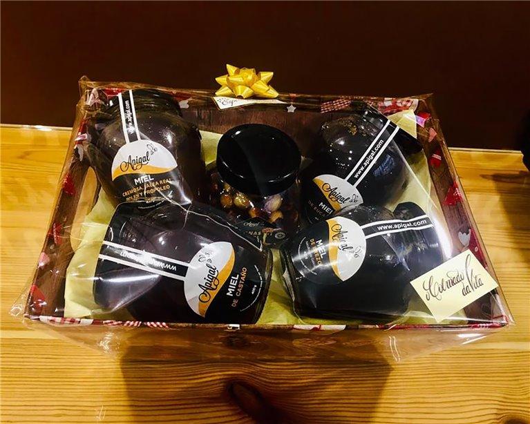 Cesta regalo dulce como la miel