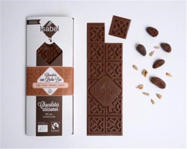 Chocolate con leche con pipas caramelizadas Isabel