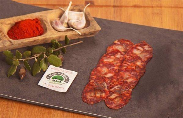 Chorizo cular ibérico de bellota cortado