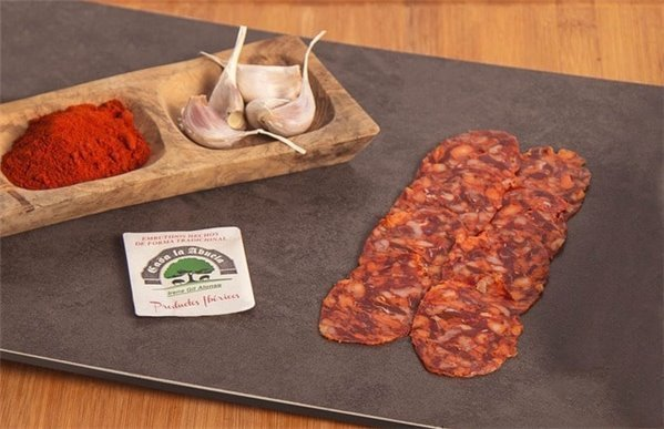 Chorizo cular ibérico de cebo cortado