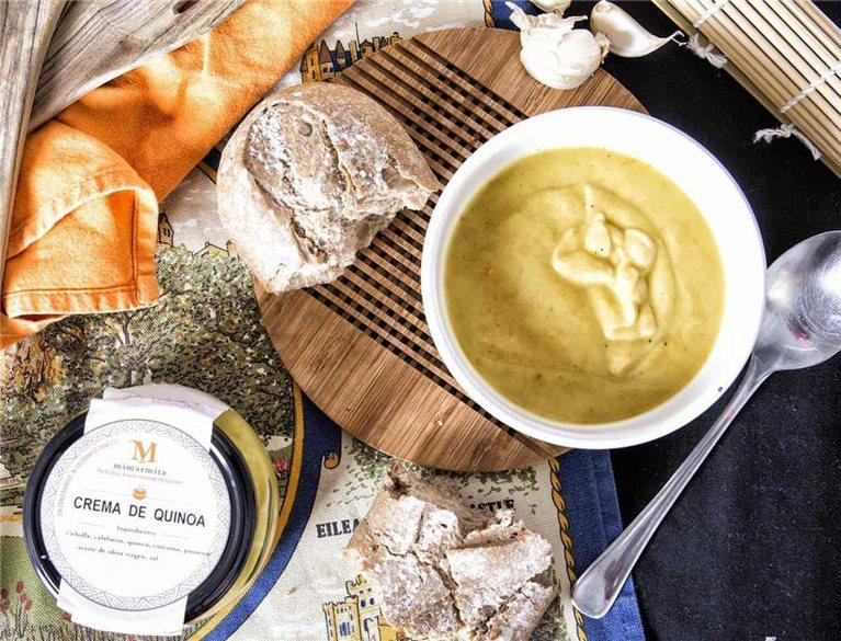 Crema de calabacín, quinoa y curcuma
