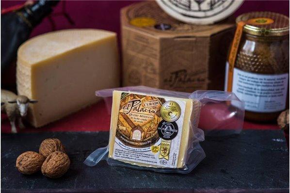 Cuña de queso Curado artesanal 400 gr (aprox.) EL PALACIO
