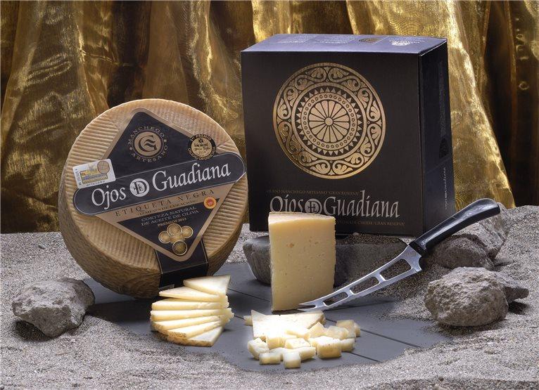 Cuñas Queso Manchego Etiqueta negra Ojos del Guadiana