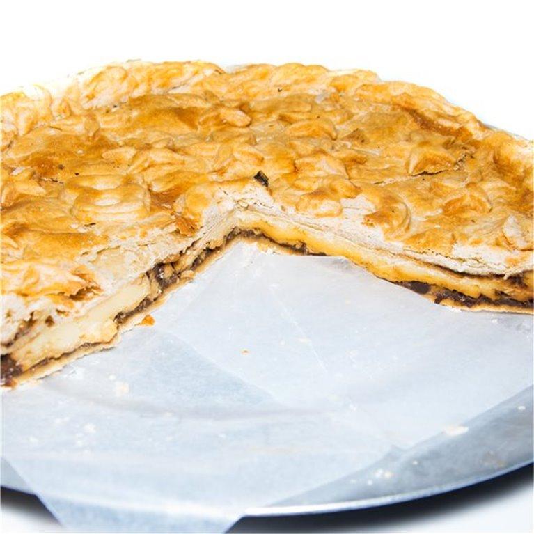 Empanada de queso brie con boletus caramelizado al Pedro Ximénez