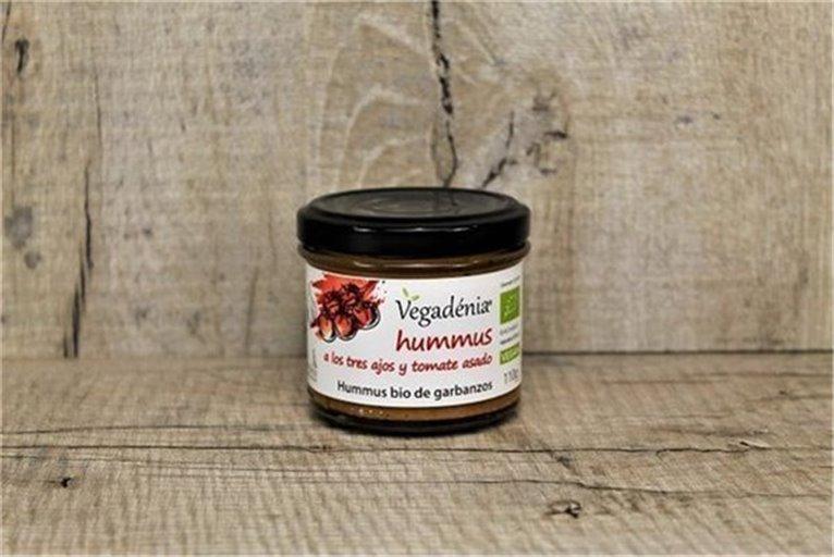 Hummus a los 3 ajos y tomate asado