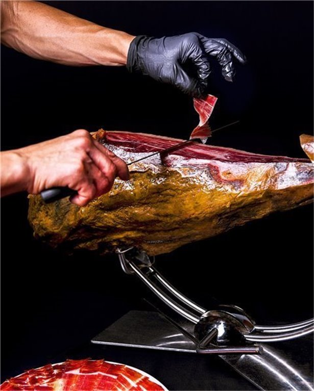 Jamón ibérico de bellota cortado a cuchillo (100 gramos)