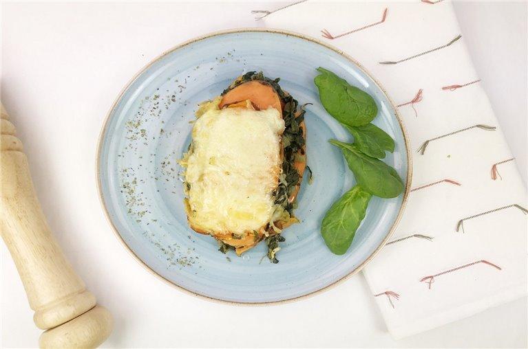 Lasaña de espinacas y boniato con queso crema