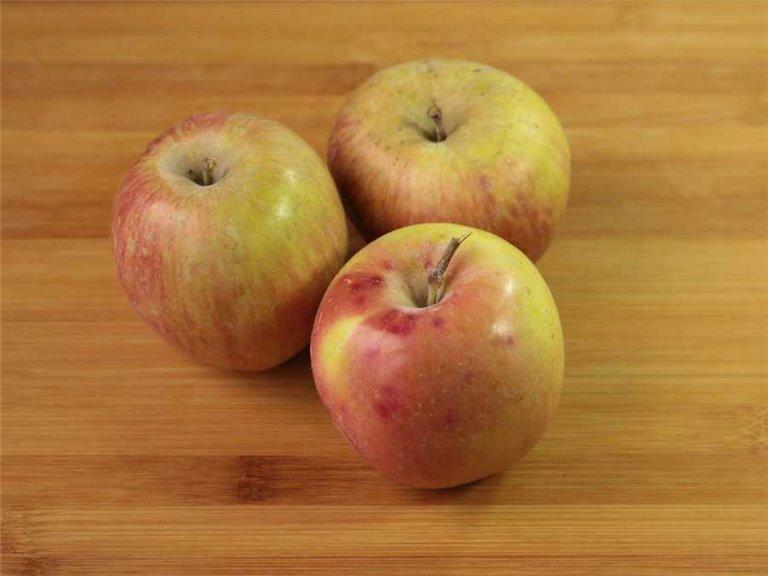Manzanas fuji ecológicas (400-500gr)