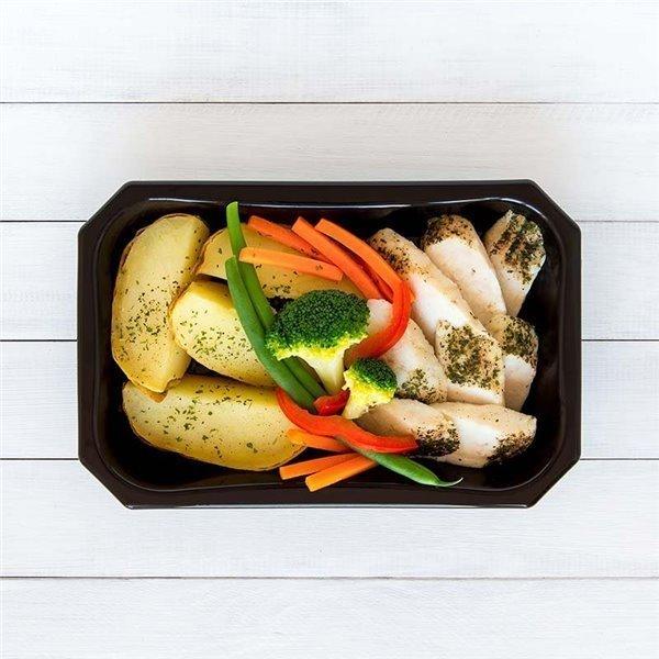 Merluza con patata y vegetales