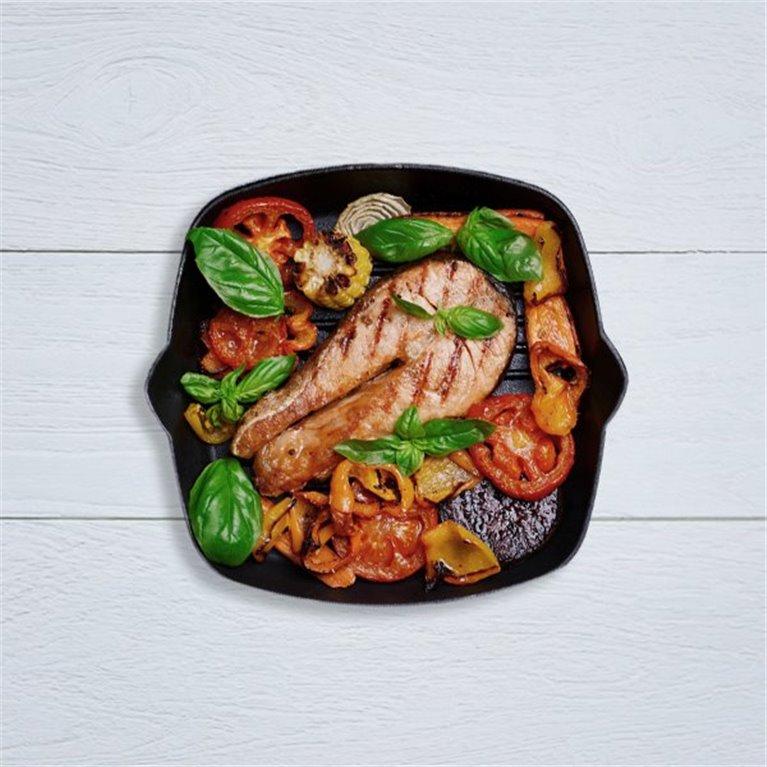 Merluza con verduritas y su compota de tomate