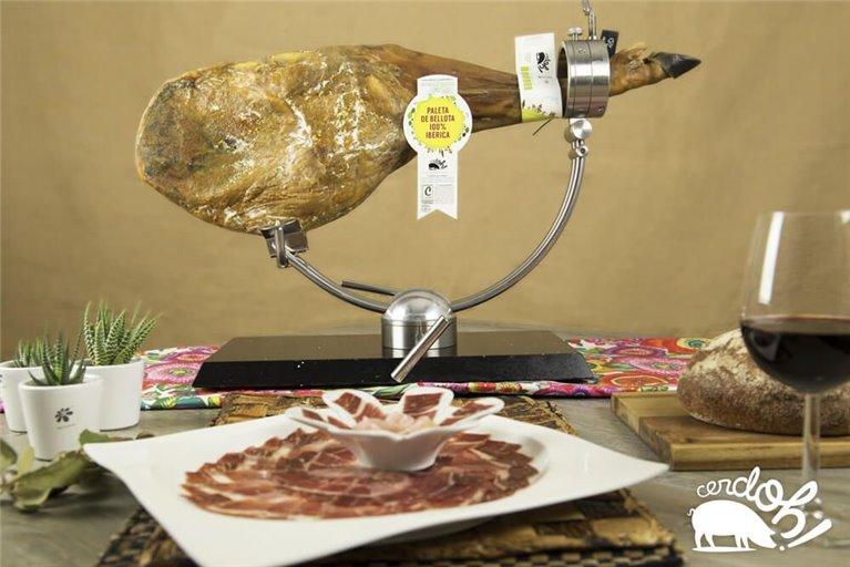 100% Iberian acorn-fed shoulder + Half loin of acorn-fed 100% Iberian acorn-fed pork loin