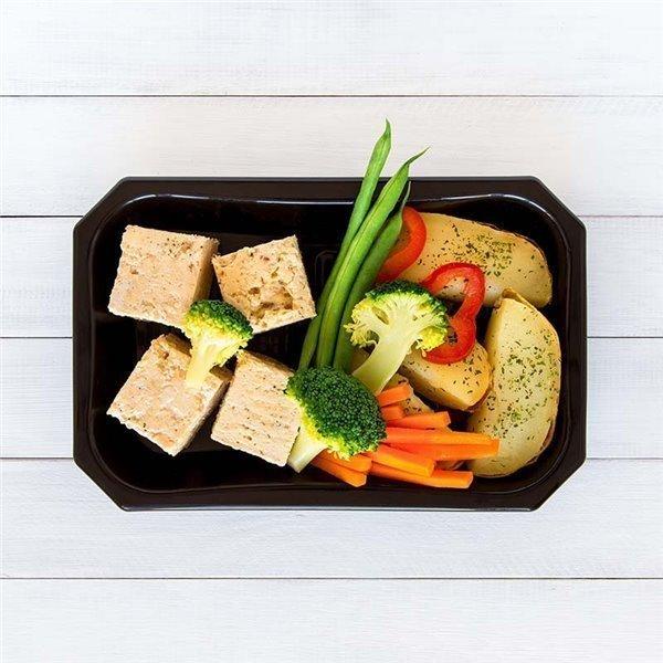 Pollo con patata y vegetales