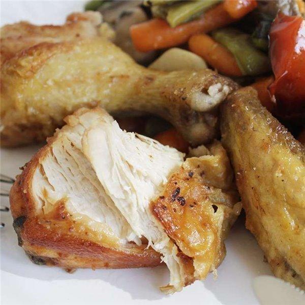 Pollo frito con guarnición