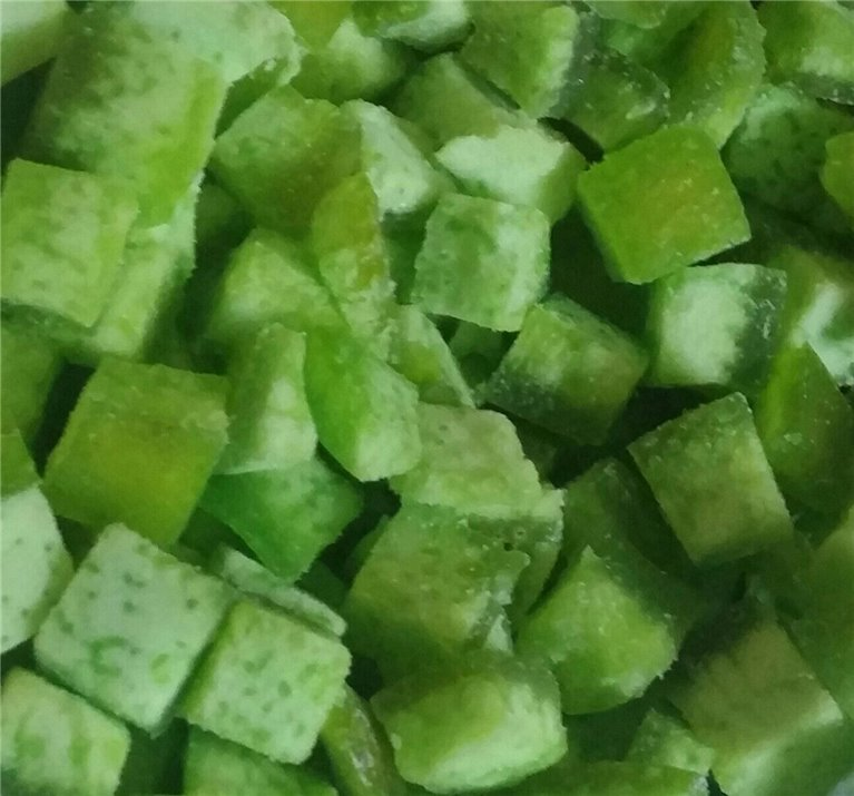 Dehydrated Green Grapefruit in cubes, tray 250 grams