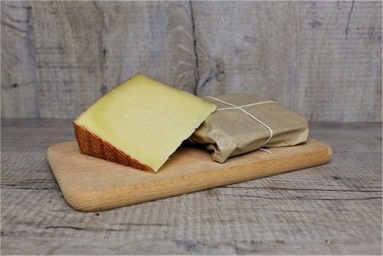 Raw milk cheese Reserva
