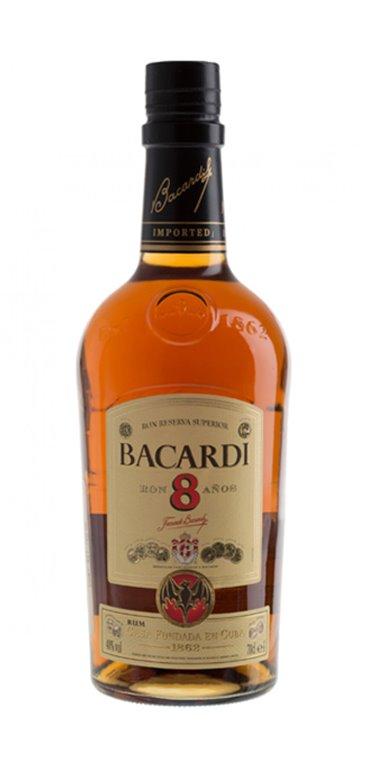 Ron Bacardi 8 Años
