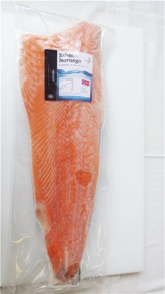 Salmón ahumado precortado congelado (Ubago) peso +-1,2kg