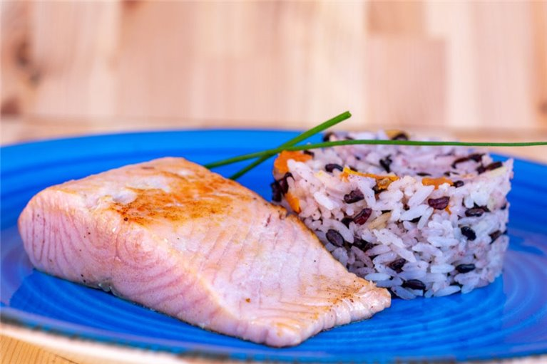 Salmon with bicolor rice