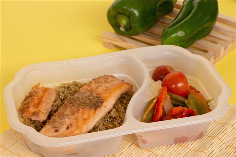 Salmón con quinoa, cherrys y verduras (H2)