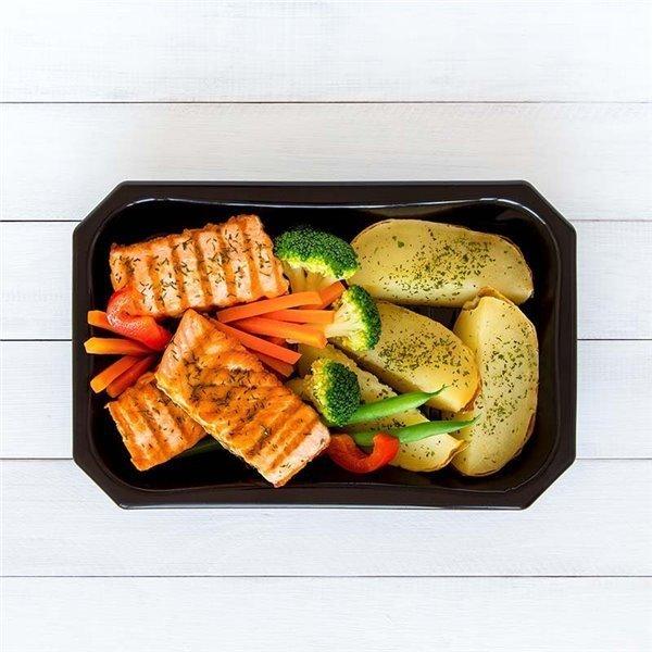 Salmón noruego con patata y vegetales