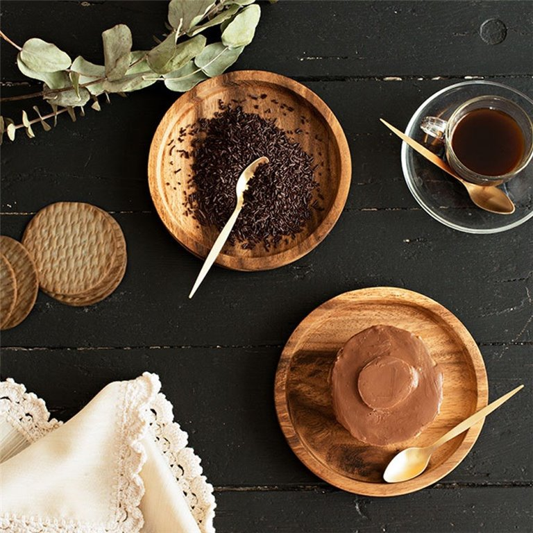 Biscuit and chocolate cake