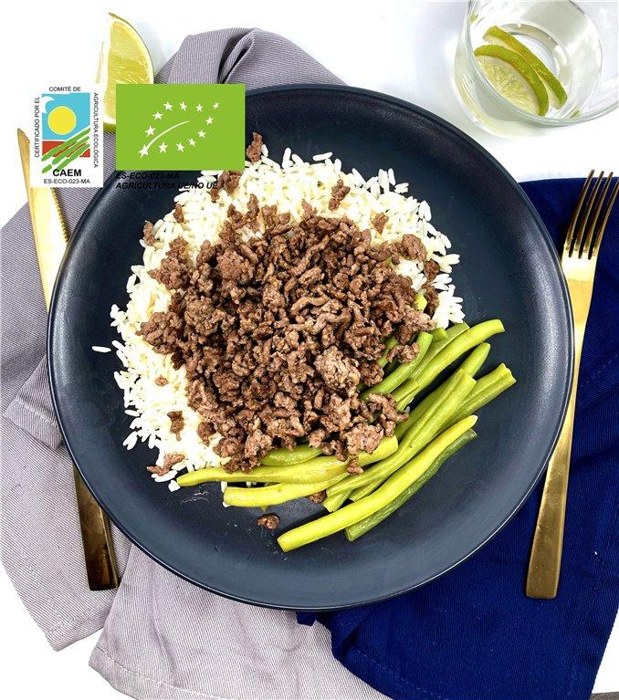 Ternera avileña con arroz blanco y verduras de temporada