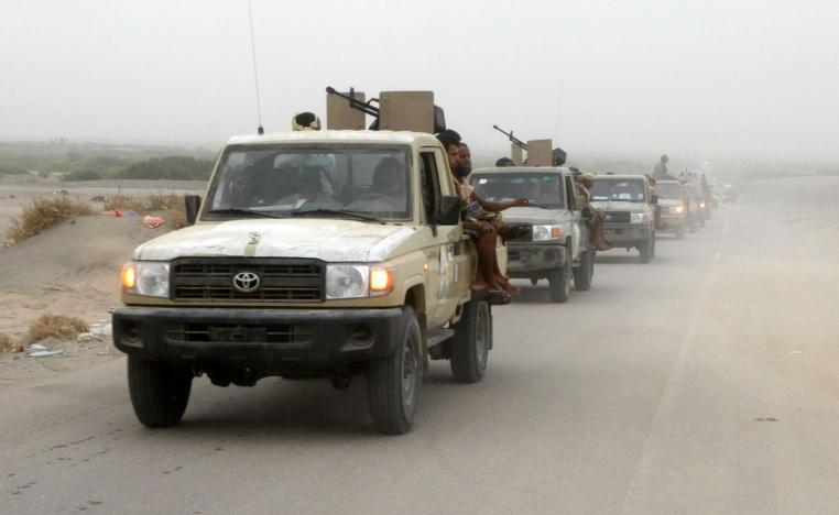 A column of Yemeni pro-government forces.