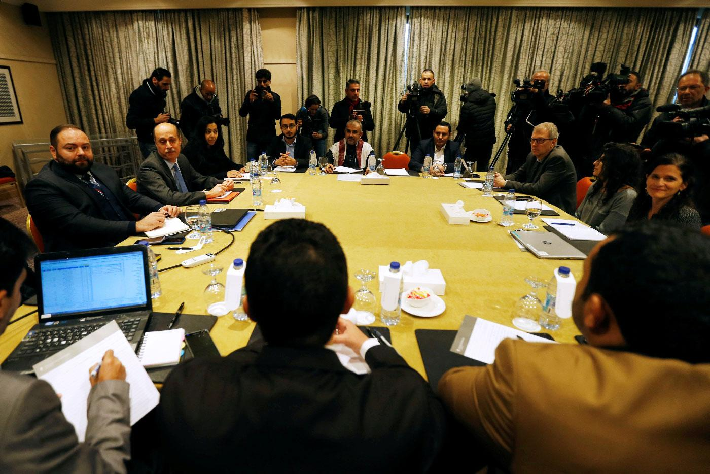 Delegates from the Iran-aligned Houthi movement and the Saudi-backed Yemeni government meet to discuss prisoner swap deal in Amman, Jordan on January 17, 2019.