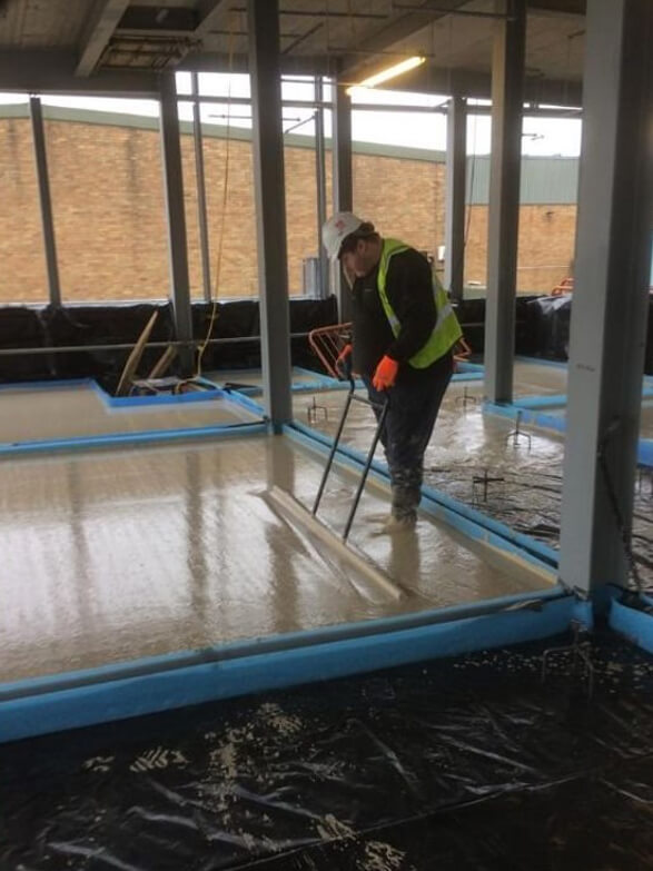 Laying flow screed to residential property